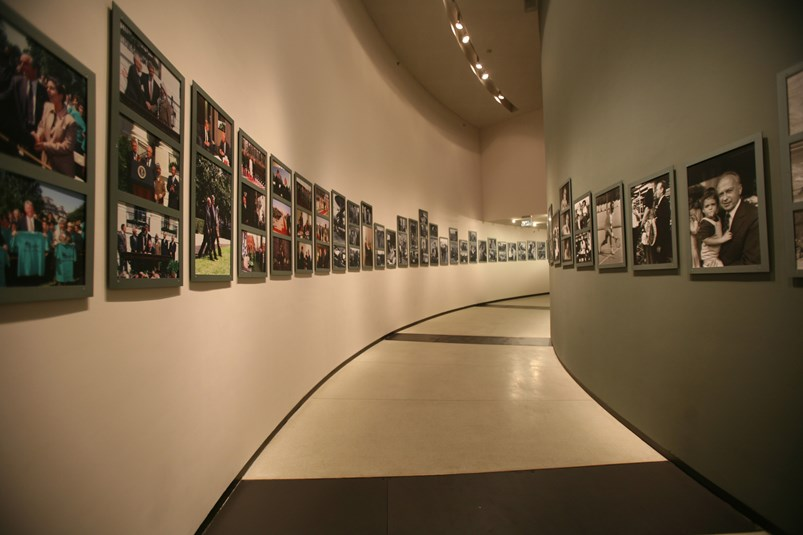 Interior view of the Israeli Museum at the Yitzhak Rabin Center    Photo: Alla Leitus